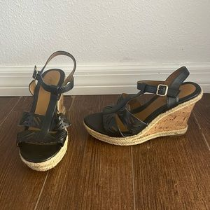 Like new jaclyn smith wedges size 8